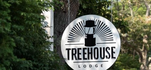Treehouse Lodge Sign